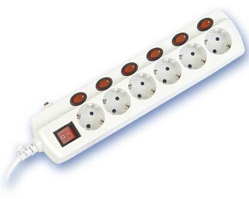 Base Multiple 6-T  T/T C/Interruptores (1,5 metros)  - Base multiple 6-Tomas manguera 3 x 1,5mm c/interruptor individual por toma, maximo 3500 watios 10/16 Amp 250V. Con protección para niños 1,5 metros de cable.